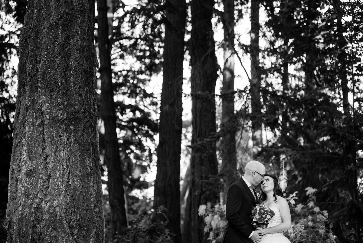 Beacon Hill Park Wedding Portraits by @funkytownphotography