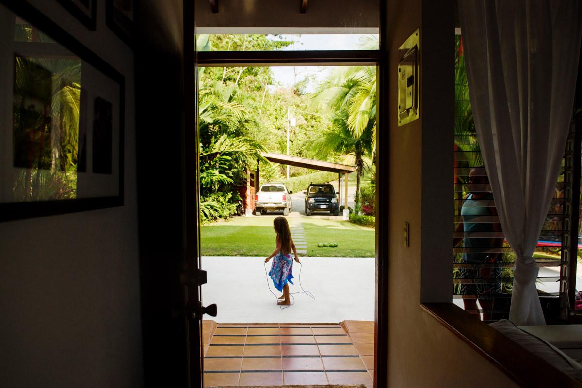 Candid documentary photojournalism family portrait photographer