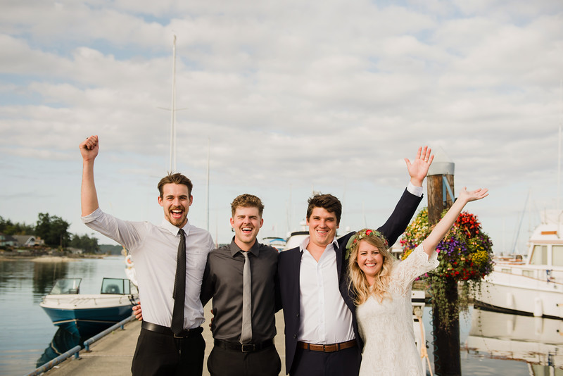 Chartering a boat for the gulf island wedding