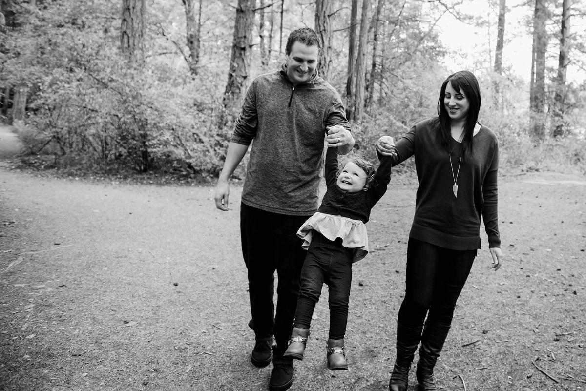 Fall family portrait photographer Victoria BC MIni sessions