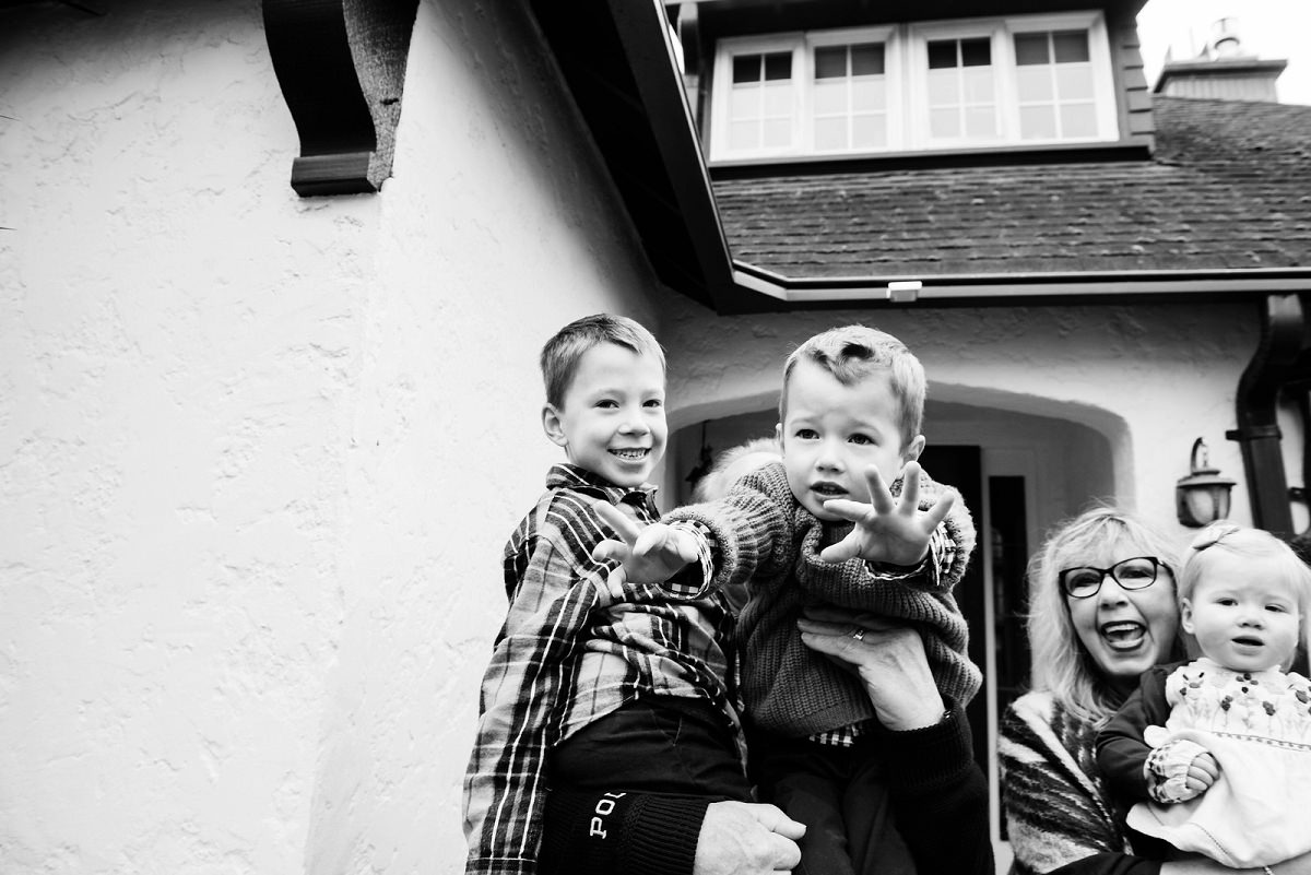 Christmas Family Reunion Portraits Victoria British Columbia