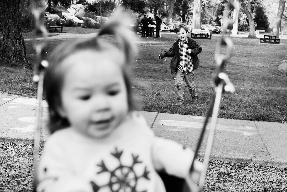 Family candid lifestyle portraits Beacon Hill Park Victoria BC - Photography by FunkyTown Victoria